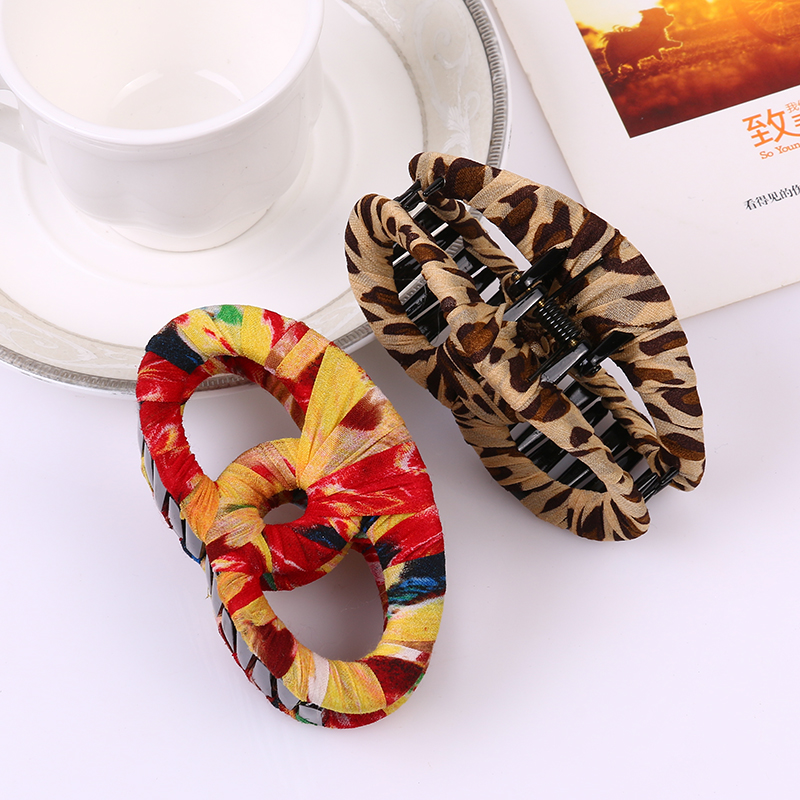 2017 newstyle Around cloth Hair Claw Clips Women Banana Barrettes Light brown Hairpins Hair Accessories For Women Clips Clamp
