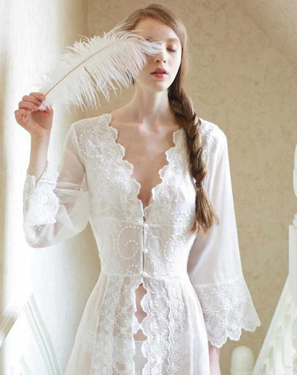 Sleepwear Sexy Long Nightwear White Lace Vintage Princess Dress Medieval Nightgown European-style Palace Robe Beautiful Vestidos