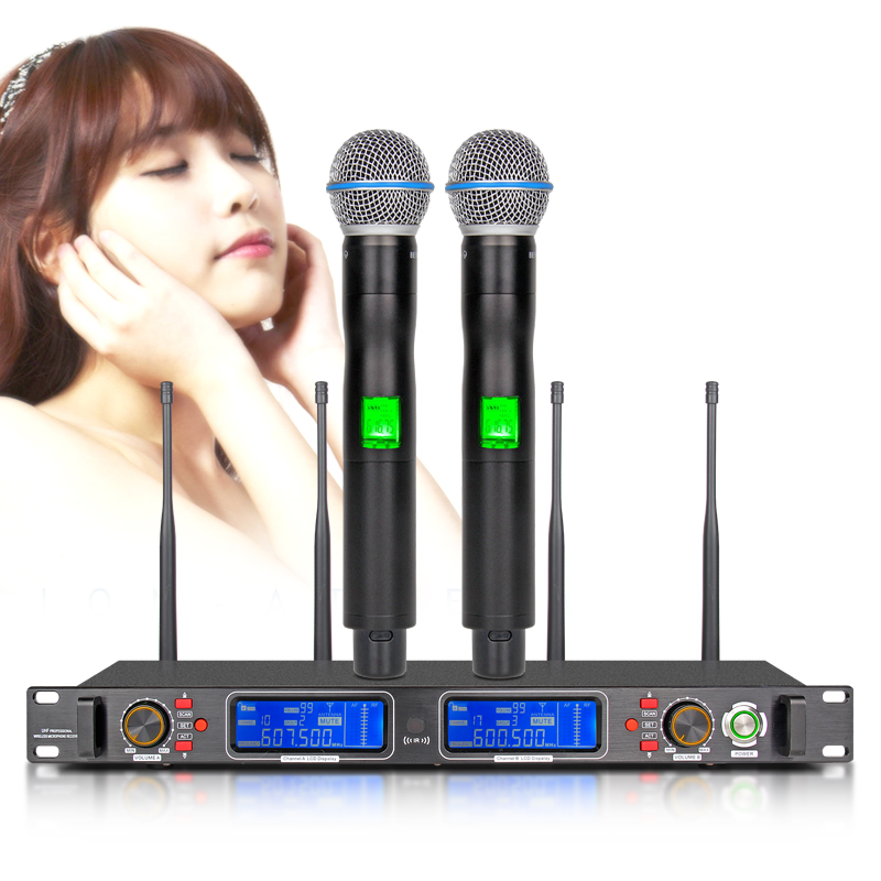 Sistema Microfonico Wireless Professionale Microfono 4 Canali Ricevitore Diversity UHF Dinamico 2 Handheld Video Karaoke di Alta qualità