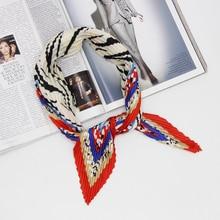 Animal border women pleated kerchief wrinkle fashionable lady neckwear silk polyester 2018 new designs 70x70cm Foulard  LL190320