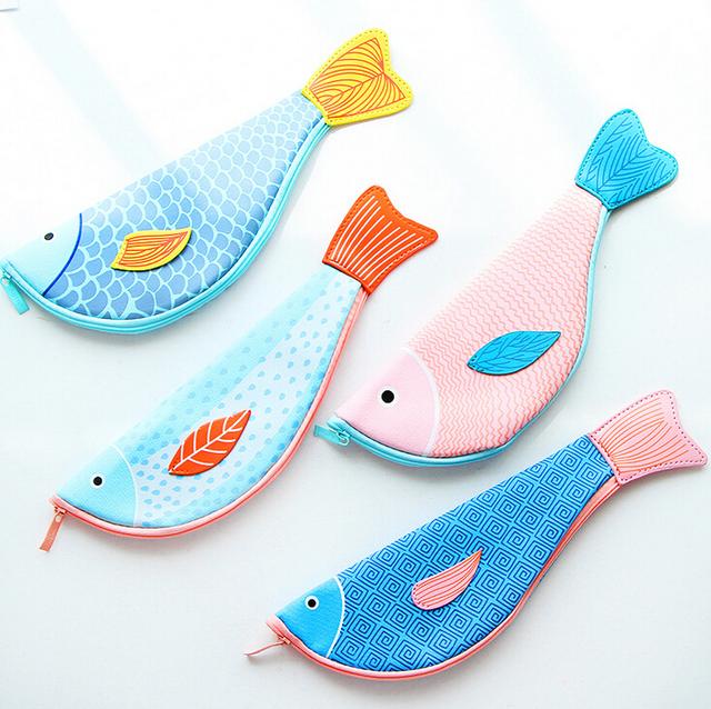 Pu Forma de Pescado creativa Lápiz Bolsa de Papelería de Almacenamiento Organizador Caja de Útiles Escolares Premio Estudiante