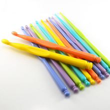 1Set 12pcs New Mixed ABS Plastic Hook Crochet Kit Knitting Needles For Loom Tool Handle DIY Sweater Weave tools Crafts 14.8cm