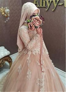 Image 2 - חינני טול צווארון גבוה מחשוף כדור שמלת ערבית אסלאמי חתונת שמלות עם חרוזים תחרה אפליקציות מוסלמית