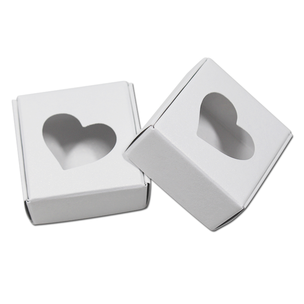 50Pcs/Lot 5.5*5.5*2.5cm Heart Hollow Out White Kraft Wedding Gift Paper Packaging Boxes Party Cake Food Package Cardboard Box