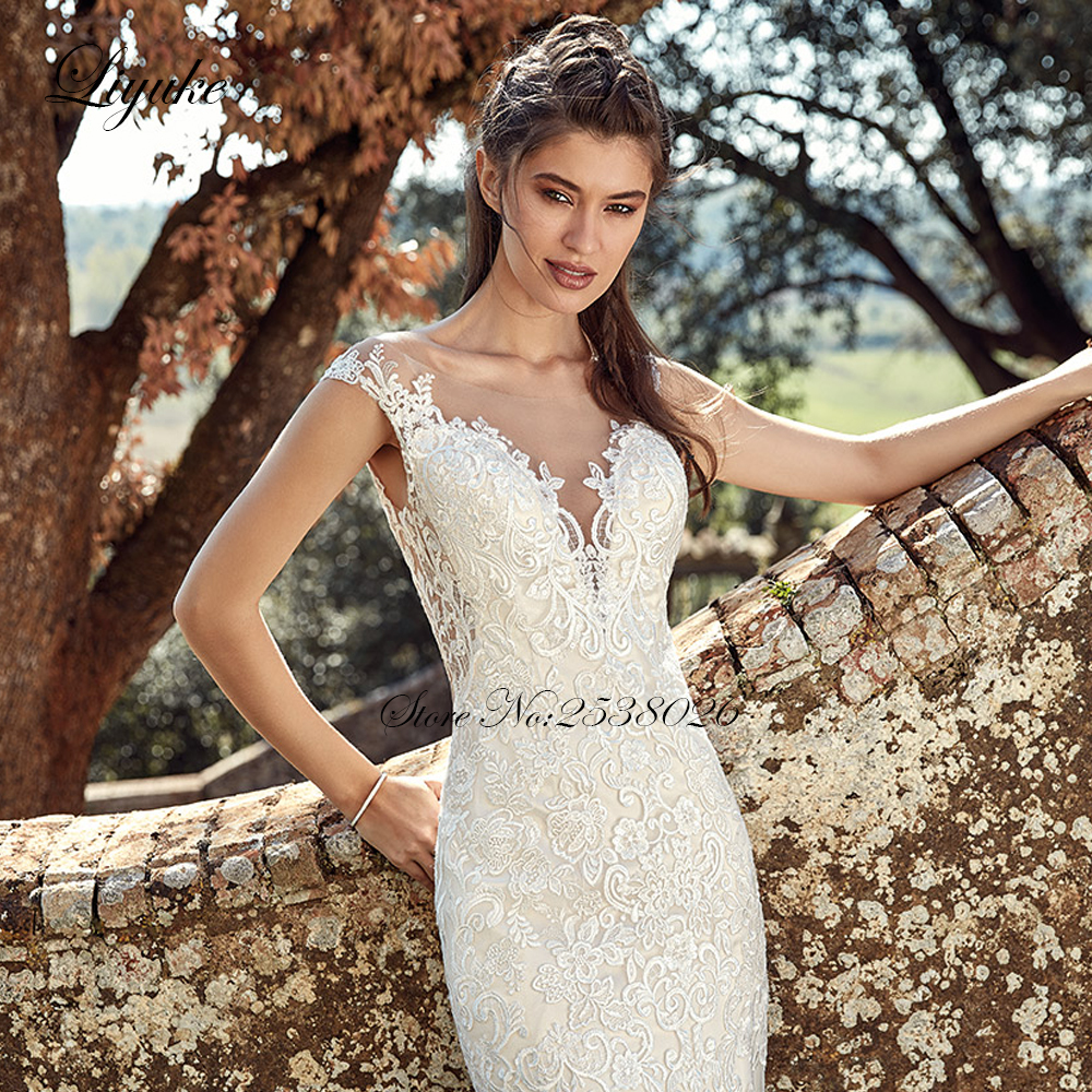 Luxurious Sexy V Neck Mermaid Wedding Dresses Marvelous Sleeveless Bride Dress With Button Closure in Wedding Dresses from Weddings Events