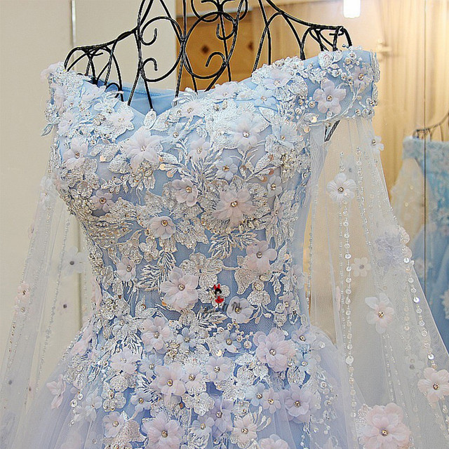 Sky Blue Boho Wedding Dress 2018 Vestidos de Noiva Vintage Flowers Wedding  Gowns Lace Long Train Bride Dresses Beads Gelinlik bd775ce05a52