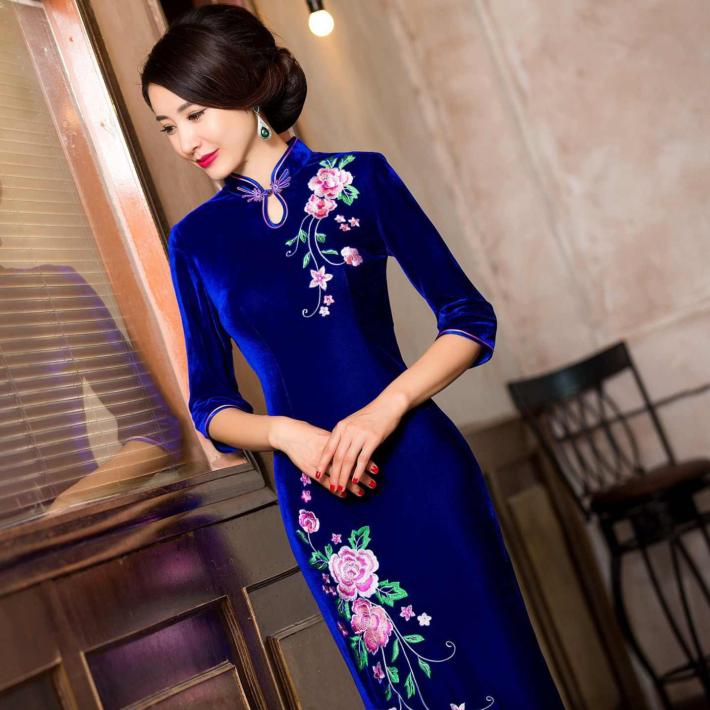 Bleu royal cheongsam grande taille robes en velours velours debardeur chinois traditionnel long cheongsam robe orientale modèles
