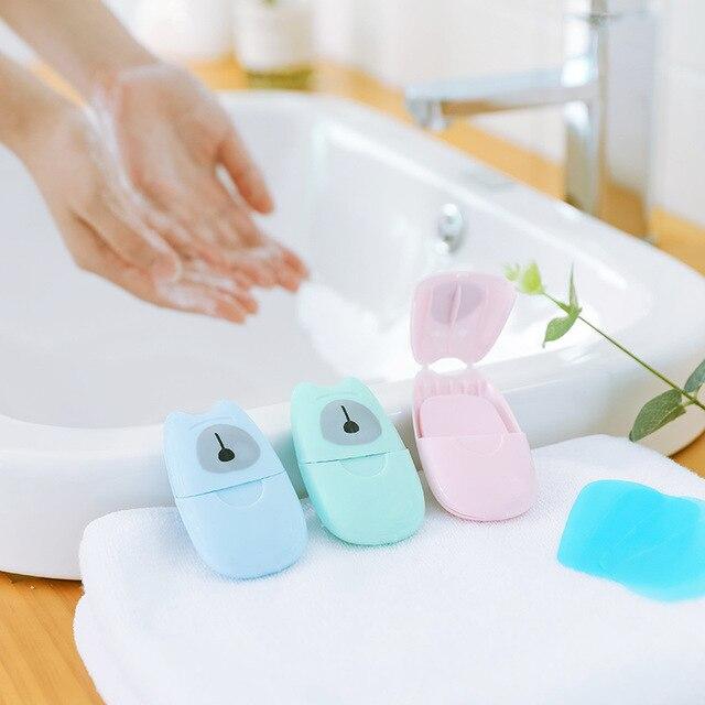 50 unids/caja papel de jabón portátil caja de jabón desechable hojas de rebanada perfumadas Mini papel de jabón entrega de Color al azar producto al aire libre