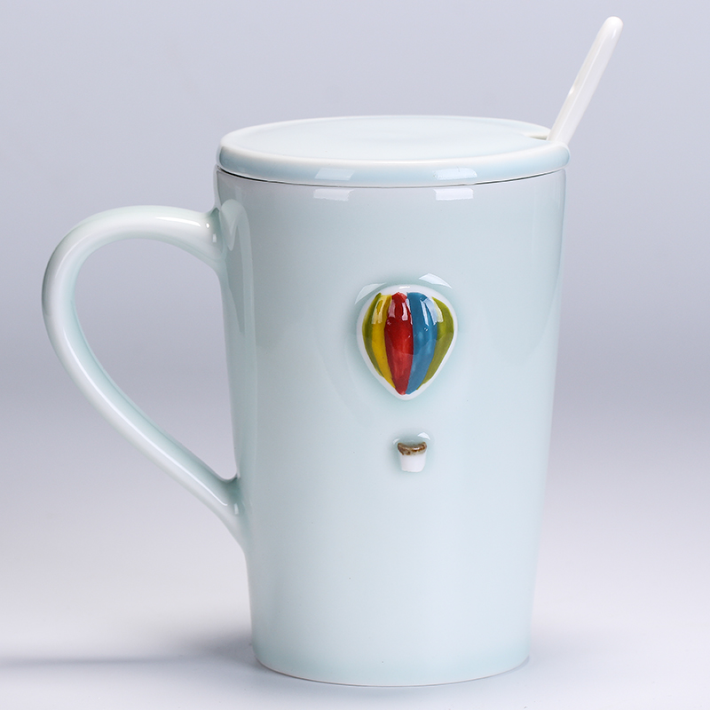 Fine small fresh handmade ceramic cup Brief Hot air balloon aircraft Clouds Mug