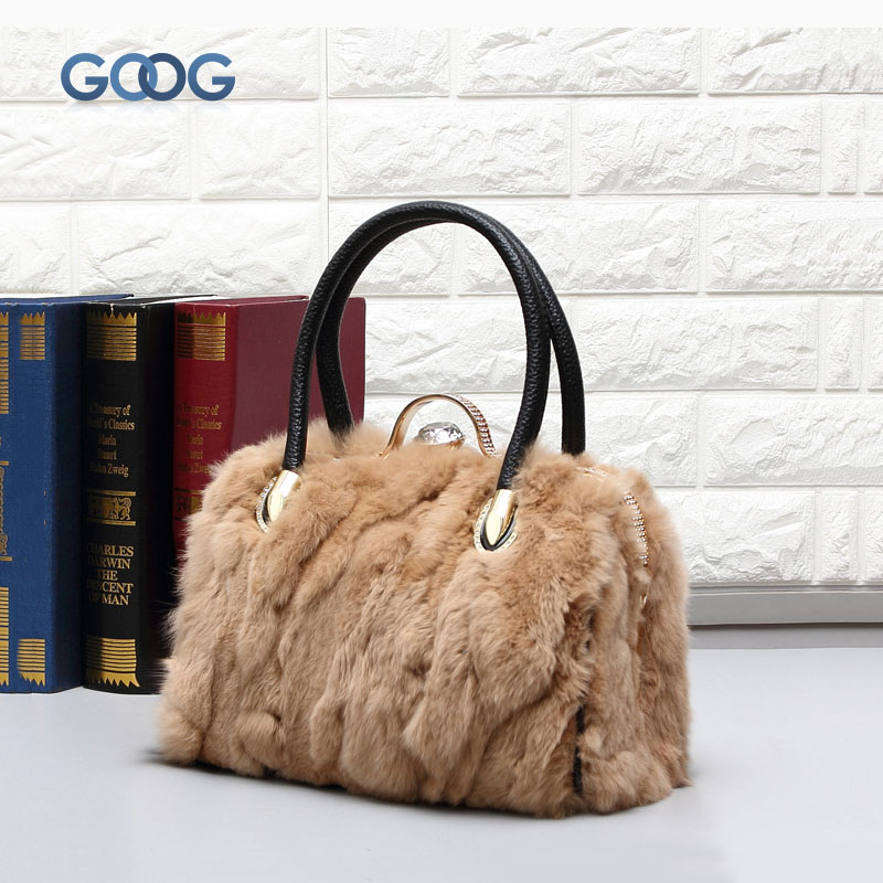 New fur rabbit fur handbags Europe and the United States fashion diamond mats leather leather casual buckle portable ladies bag europe and the united states new handsome british wind pointed thick boots snake belt buckle especially exquisite single boot