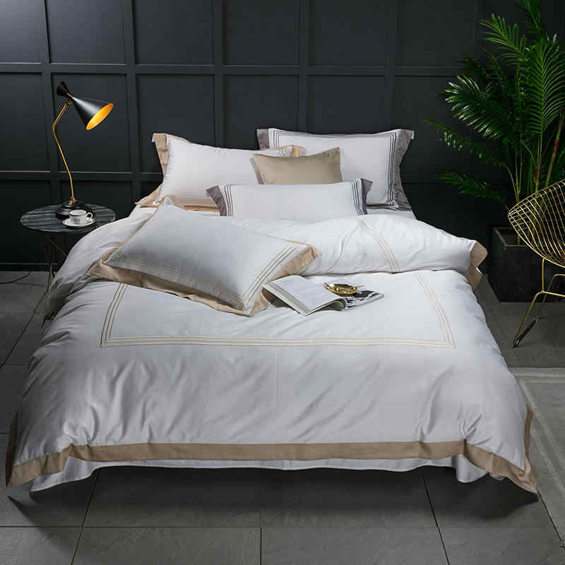 FAMVOTAR Luxury 60S Egyptian Cotton Sateen Hotel Stitch Bedding Set Golden Embroidered Lines White Bed Linen Queen King Size