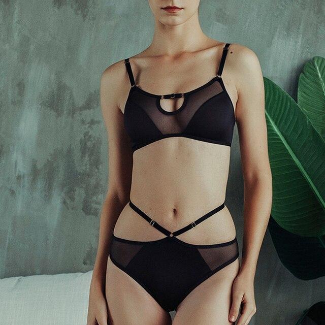 Soutien gorge Sexy en dentelle pour femmes, sous vêtements français Ultra fin en dentelle, sans fil, sans sommeil, Lingerie, culotte en maille noire et ajourée