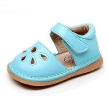 2019 hot sell baby sandals hollow flower style PU leather summer kids shoes children rubber bottom funny baby squeaky shoes