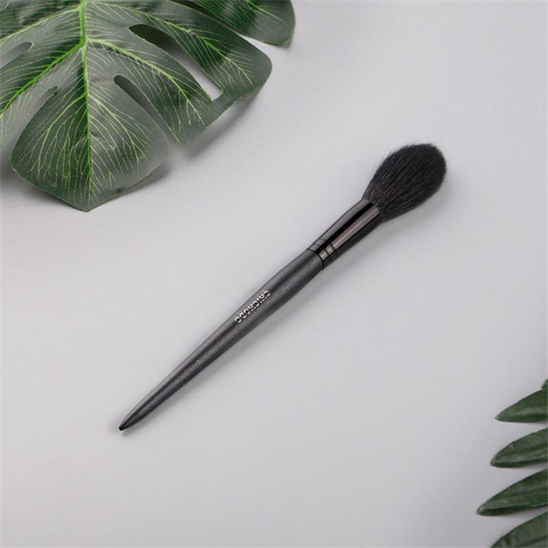 1 Pieces Goat Hair Long Handle Face Makeup Highlighter Blending Brush Blush Brush Concealer Brush Beauty