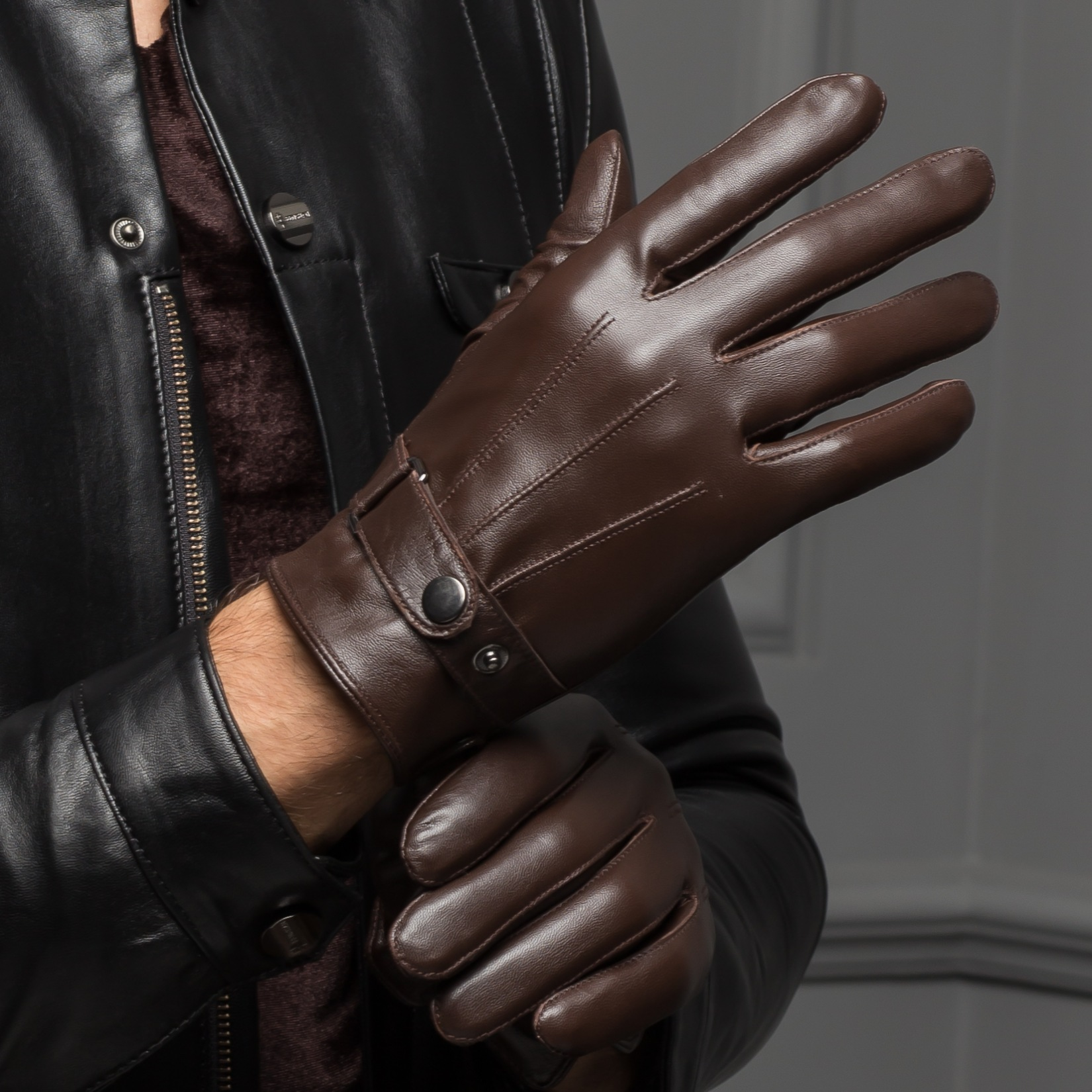 Driving gloves wholesale - Free Shipping 2016 Spring Male Real Leather Short Thin Thick Black Brown Touch Screen