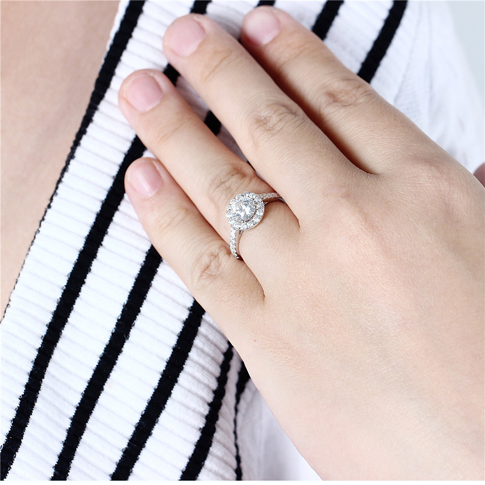 Transgems Center 1ct Halo Moissanite Engagement Ring 14K White Gold GH Color 6.5MM Moissanite with Accents for Women Jewelry