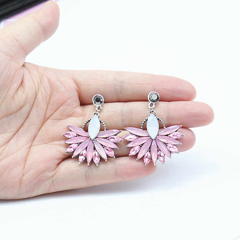 White Pink Crystal Rhinestone Dangle Earring Women's Fashion Ancient Earrings Simple Flower Pendant pendientes de flecos e0226