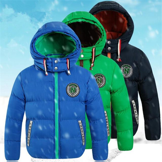 2016 niños ropa de invierno niño abajo de la capa masculina de algodón acolchado niño, además de terciopelo engrosamiento wadded chaqueta con a campana