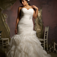 Ruffled Tailored Sleeveless Sweetheart Corset Bodice Organza Mermaid Plus bridal gown Pregnant Women