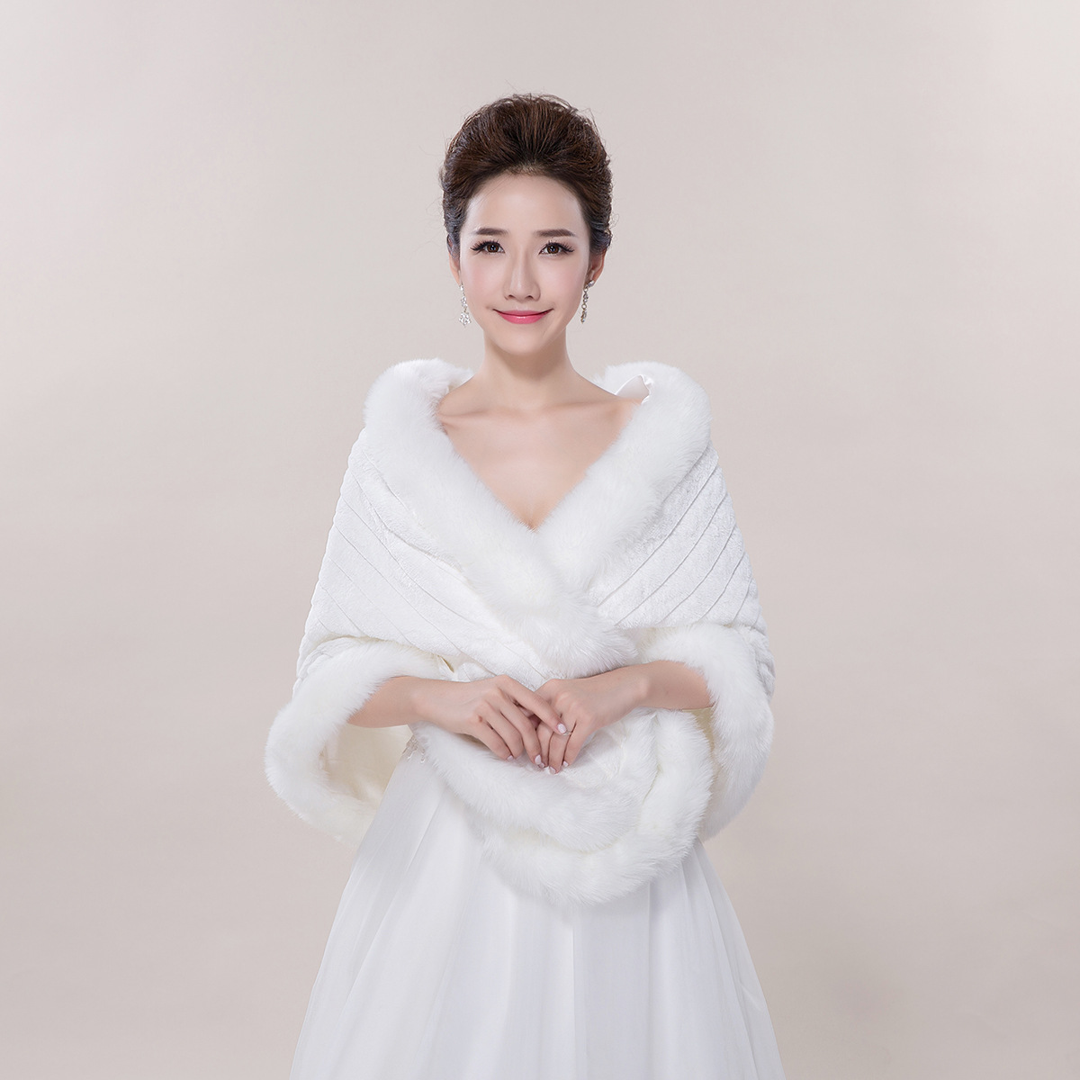 P060 New Fashion Wrapping open Big cloak Winter wedding bride wedding Shawl Warm Cloak Lady Faux Fur Shawl