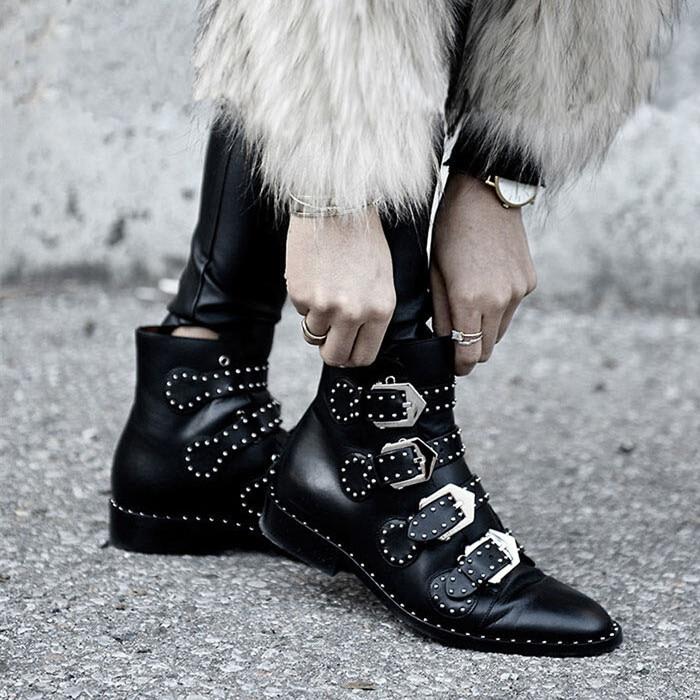 3bde67ac7 € 14.13 27% de réduction|Rivets simili cuir chaussons boucle sangles talon  épais noir cheville femmes bottes clouté décoré femme bottes moto ...