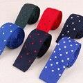 Vestuário da moda Ternos de Negócio Dot Gravata do laço Cravata Marca Popular Tricô Gravata gravata Para Homens Clássicos Laços Gravatas Para O Presente