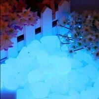 100 Sztuk Luminous Świecić w Ciemności Pebbles Kamienie Kostki Brukowej dla Akwarium Dekoracje, Glow Kamyki na Ogród (NIEBIESKI)