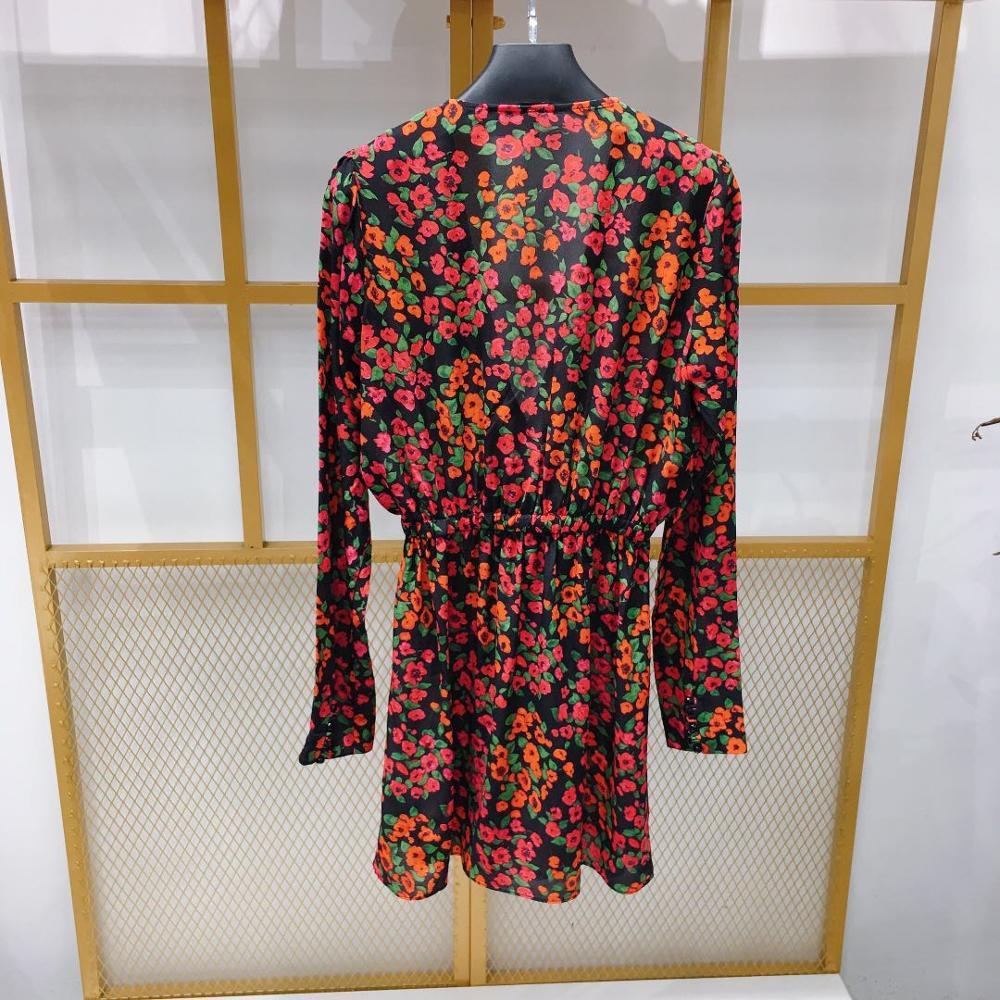 النساء اللباس 2019 الأحمر طباعة طويلة الأكمام الخامس الرقبة رومانسية مزاجه الحرير البسيطة اللباس-في فساتين من ملابس نسائية على  مجموعة 2