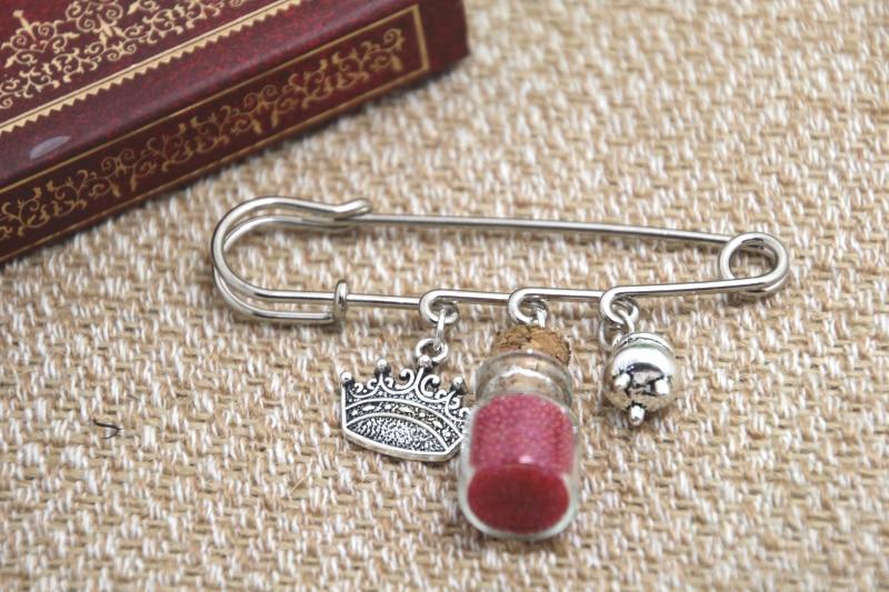 12pcs Shakespeare inspired Macbeth themed charm kilt pin brooch (38mm)