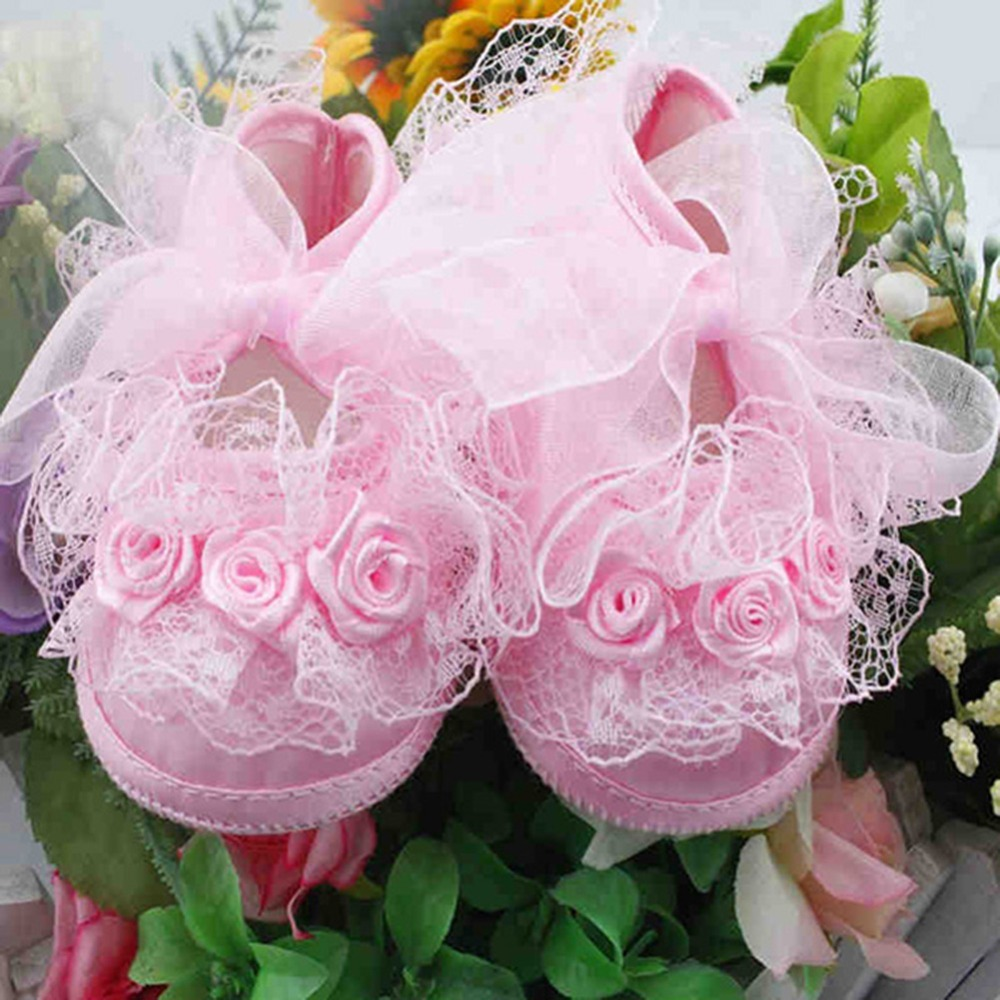 2017 Baby Girls First Walkers Pink White Flowers Lace Newborn Infant Princess Crib Shoes Soft Sole Prewalker