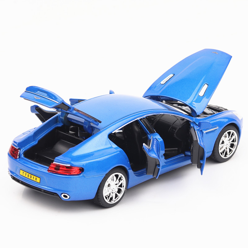 Купить с кэшбэком 6-door-open Model Luxury Cars 1/32 Die-Cast Car Collection&Toy Car 4 Colors W/Light& Music