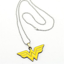 HSIC 10pcs/lot Wholesale Fashion Jewelry Wonder Woman Logo Charm Necklaces Pendant for Fans Friendship Accessories