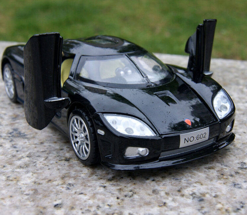 Kownifsegg Sport: Alloy Diecast Car Model 1/32 Koenigsegg Sport Car With