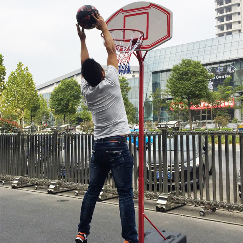 A Portable Outdoor Yard Basketball Stand With Lifting And Lowering For Children