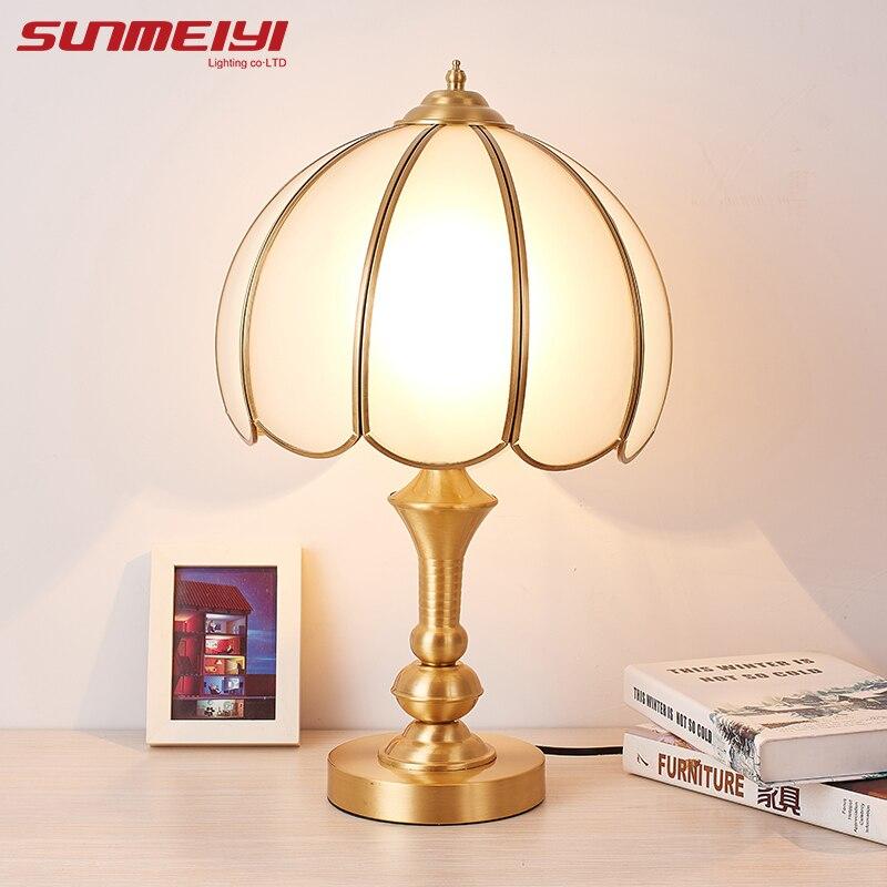 Lampes de Table LED en cuivre lampe de bureau en verre abat-jour pour chambre à coucher
