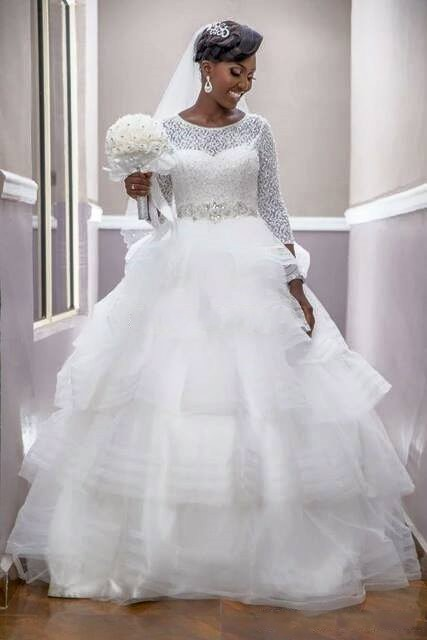 Modest Arabic Dubai Princess Wedding Dresses 2017 Lace Tiered Skirt