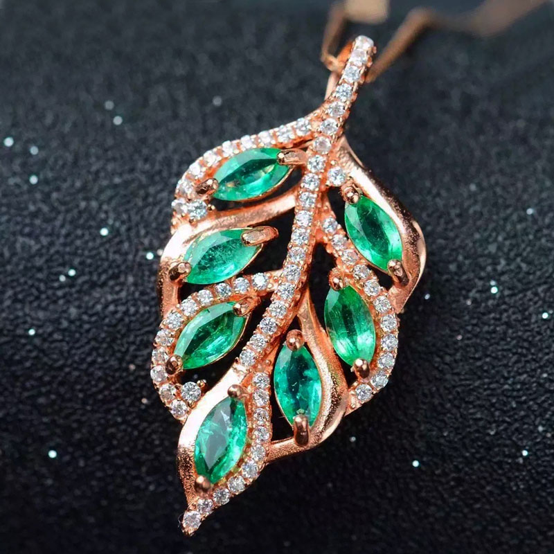 diamond products natural gem a brilliant green pendant vivid emerald