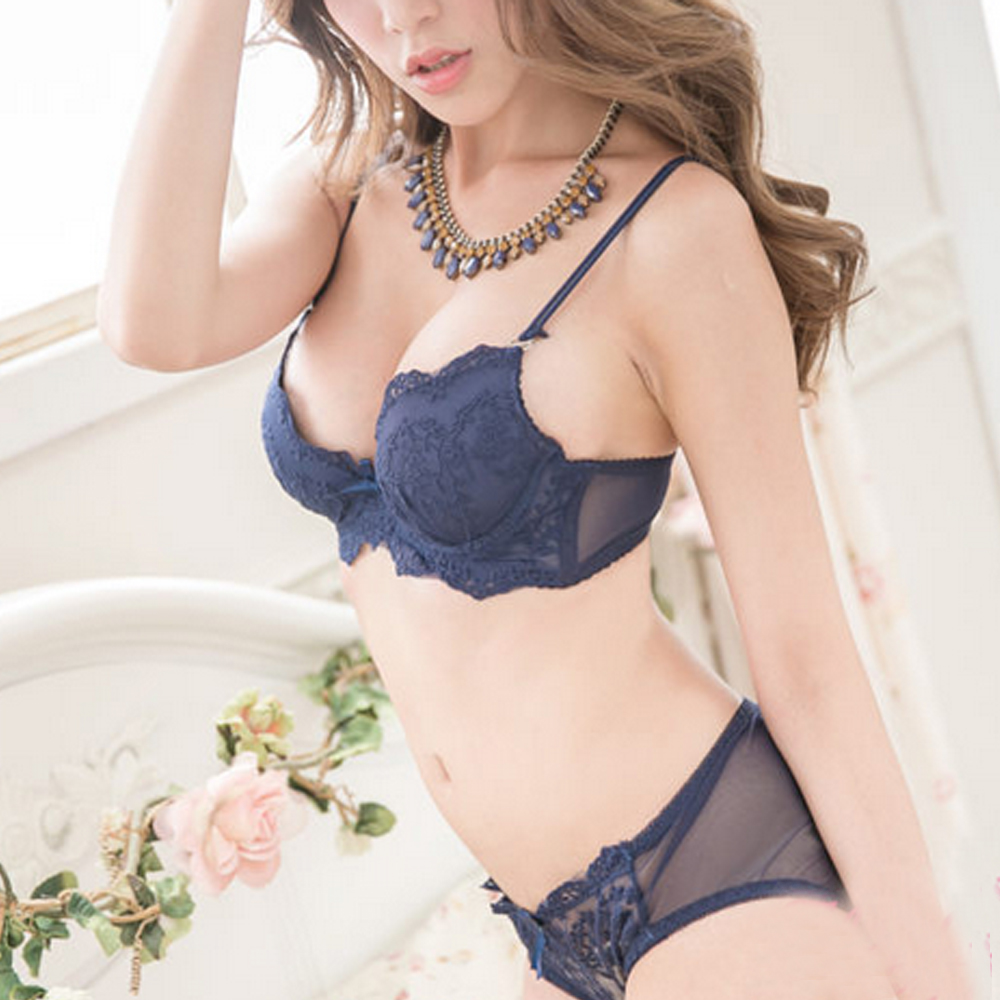 293e94a2b8b06 US $7.59 20% OFF|Vogue Secret New Top Quality Sexy Underwear Women Bra Set  Lace Bra Sexy Brand Push Up Lingerie Set Embroidery And Panties-in Bra & ...
