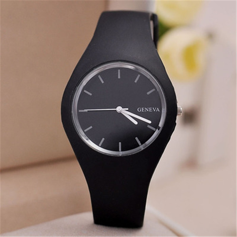 New Fashion Classic Silicone Women Watch Simple Style Wrist Watch Silicone Rubber Casual Dress Girl Relogio Masculino 2018 Clock