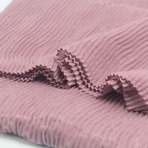 Image 5 - Miya Mona Plain Katoen vrouwen Hijaabs Vrouwelijke Mode Warme Golf Gerimpelde Moslim Wrap Hijab Eenvoudige Solid Plain Sjaal Hoofddoek