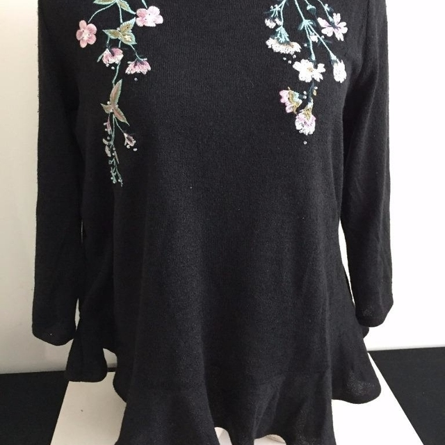 New Lc Lauren Conrad Sweater Top Size S Large Black Flowers Ruffle