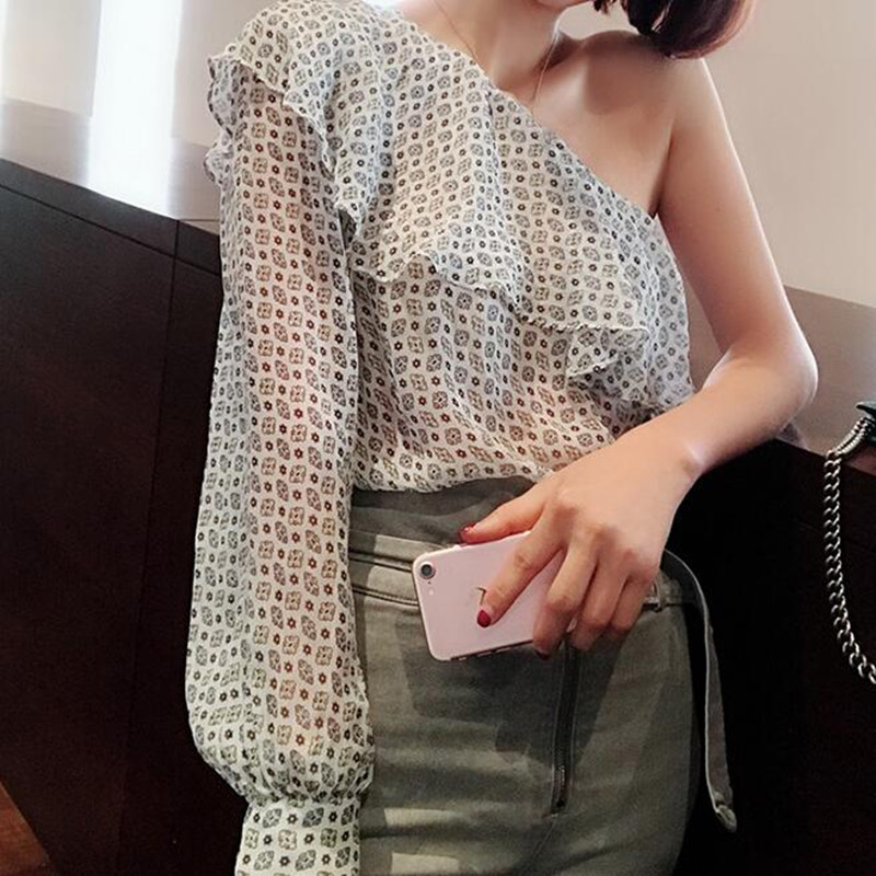 все цены на 100% Silk One Shoulder Top Floral Print Ruffle Skew Collar Sexy Off Shoulder Plus Size Blouse and Shirts 2018 Spring Summer онлайн