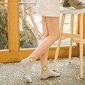 Nova bonito dos desenhos animados emoji rosto sorridente cor amor doce cor de meias de algodão summer estilo meias das mulheres finas das mulheres chinelos meias