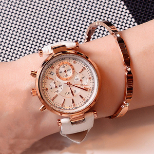 Image 2 - 패션 GUOU 브랜드 리얼 3 눈 방수 가죽 또는 로즈 골드 스틸 아날로그 캘린더 손목 시계 여성용 손목 시계 여자