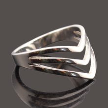 Dolaime 316L stainless steel Women Fashion V Groove simple Egyptian retro style exquisite font b ring