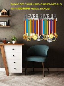 Image 2 - NEVER GIVE UP medaglia medaglia gancio di Ispirazione supporto medaglia Sport display rack per 32 + medaglie
