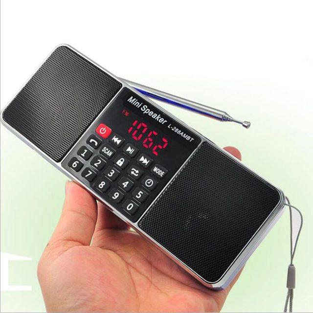 บลูทูธสเตอริโอแบบพกพาวิทยุ FM ลำโพงเครื่องเล่นเพลง TFCard USB Disk หน้าจอ LED ควบคุมระดับเสียงลำโพงแบบชาร์จไฟได้ลำโพง
