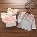 Девушки свитер рубашку 2016 девушки зимняя одежда с длинным рукавом Новорожденных девочек футболки листьев воротник мягкий свитер для девочек толстовки