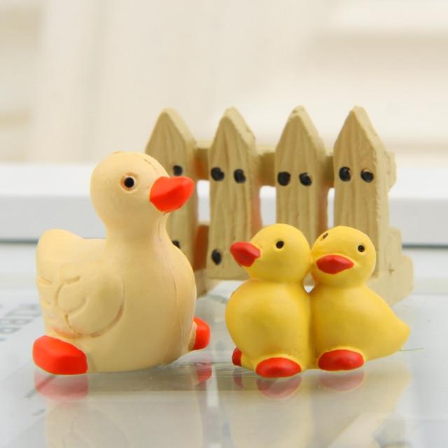 Plastic Piggy Puppy Duckling Hedgehog Figurines  1