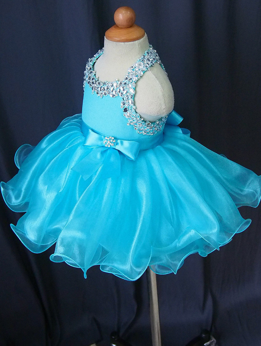 цена Infant/toddler/baby/kid/Girl Pageant Dress Halter Blue Hand Beaded 1~5T G079girls dress онлайн в 2017 году
